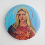 PRZYPINKA MARYJA NA NIEBIESKIM TLE
